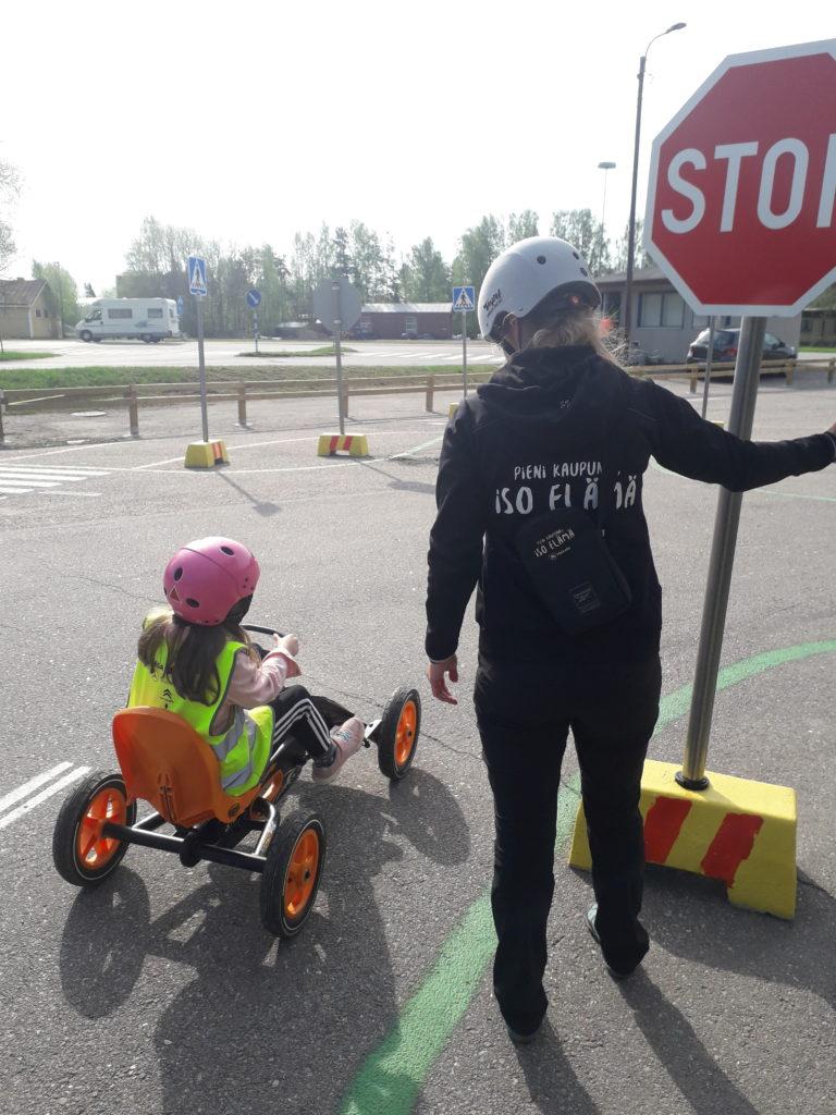Muista pysähtyä stop-merkille